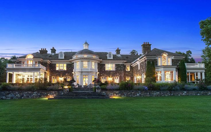 Rosewood Estate, 48 Haights Cross Road, Chappaqua, NY - page: 1 #mansion #dreamhome #dream #luxury http://mansion-homes.com/dream/rosewood-estate/