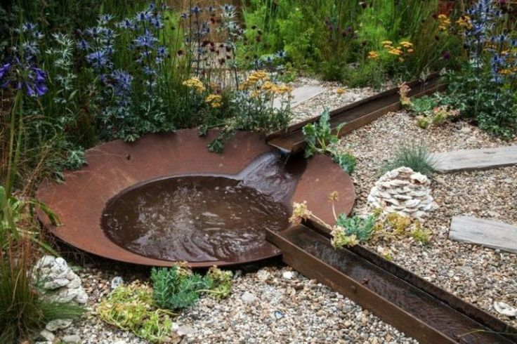 Un bassin d'eau