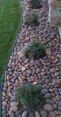 Small backyard landscaping ideas on a budget (20) #lowmaintenancelandscapebackyard