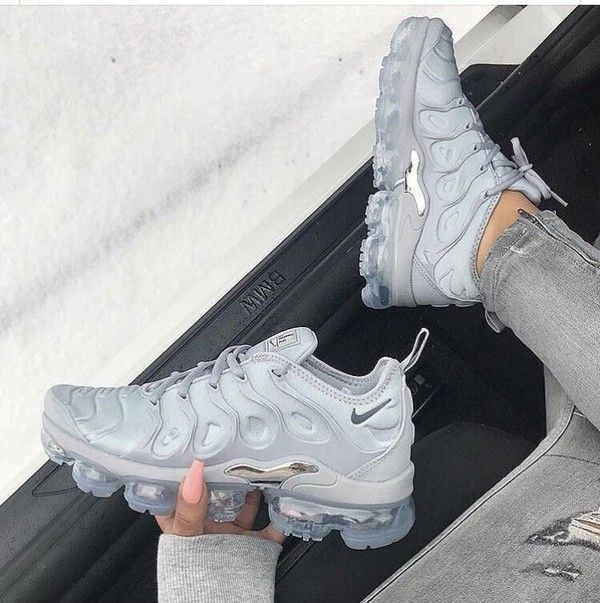 81e46d35c9 NIKE AIR VAPORMAX PLUS WOLF GREY SILVER RUNNING 924453 005 | Shoes ...