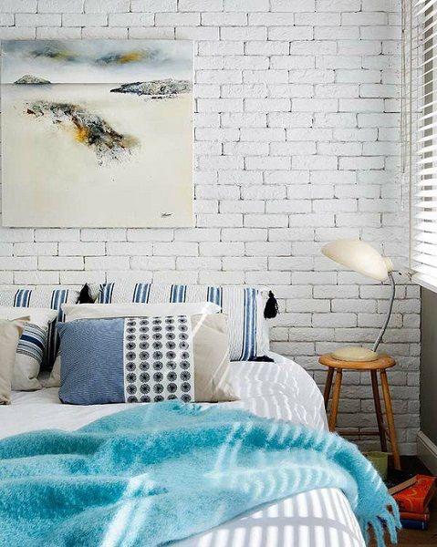 16-perete din caramida vopsita in alb decor dormitor