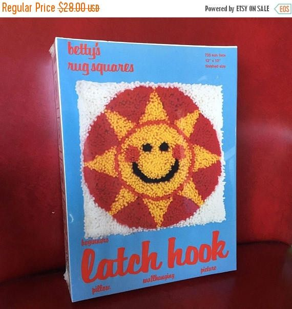 ON SALE Vintage Sun Face Latch Hook Rug Kit  Betty's Rug
