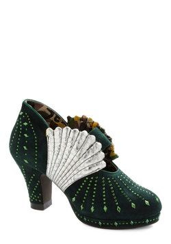 'Shell I Compare Thee? Heel' Modcloth - Art Deco 1920's wedding shoes