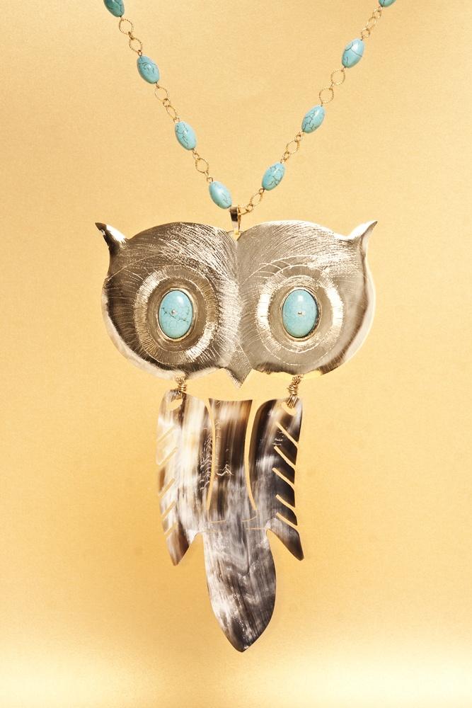 Maxi Collar de bronce bañado en oro con turquesa y cacho - $386000 / EL precio incluye envió Nacional.