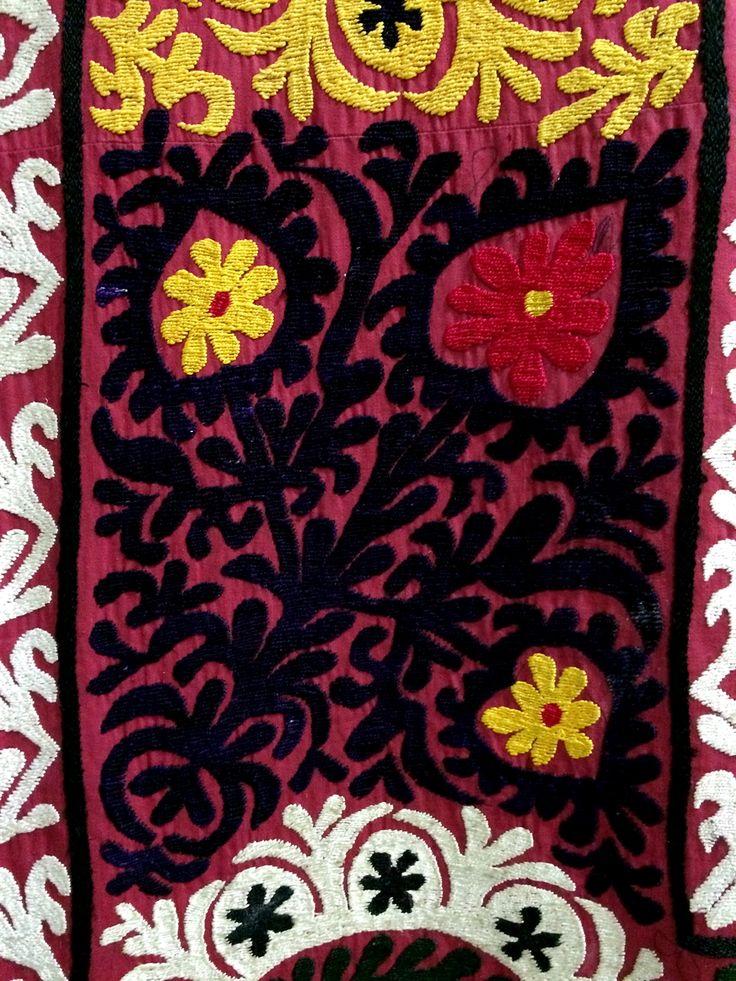 29 suzani_embroidered_textile_ethnic_style_boho_gypsy_interior_design_home_decor_asia_inspirations_styl_etniczny_kolorowe_wnetrze_forelements_blog