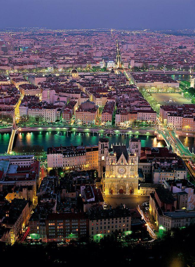 Les lumières de Lyon depuis la colline de Fourvière !