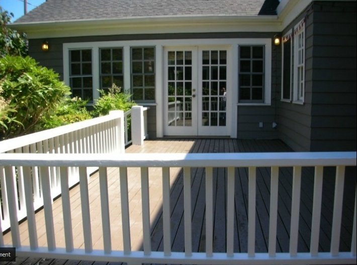 Benjamin Mooreu0027s Provides A Number Of Fantastic Products For Deck Painting  And Staining. In This