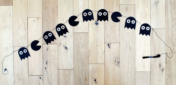 Pacman Halloween garland: Minis Eco, Paper Garlands, Pac Man, Teen Spaces, Pacman Garlands, Halloween Crafts, Halloween Garlands, Boys Baby, Pacman Halloween