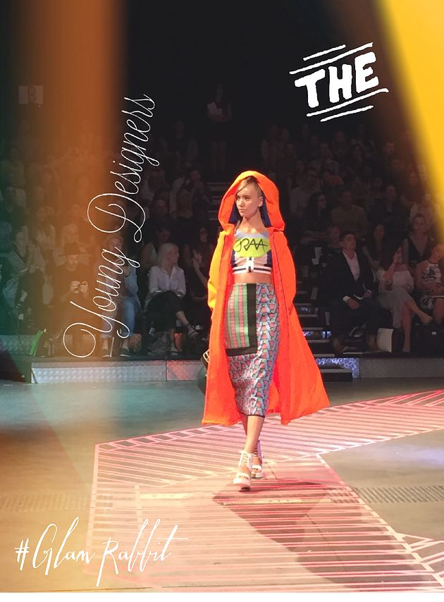 Reviewing for @sydneychic for @raffles #fashionshow was great! #glamrabbit #fashion #inspirational #blogger #glamorous #selflove