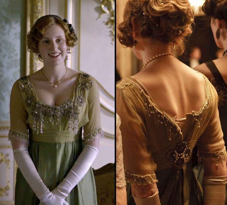 Lady Edith Crawley (green evening gown - season 1)