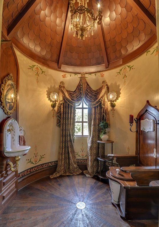 Old World, Gothic, and Victorian Interior Design: More Old World interior