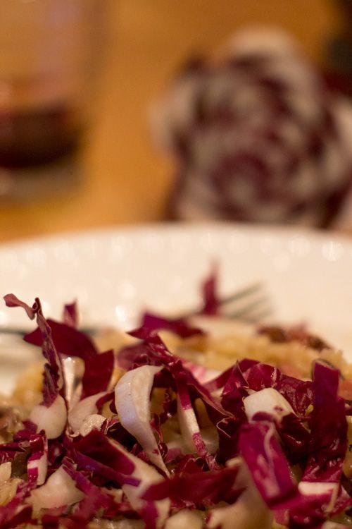 Un buon risotto si fa velocemente e con gli ingredienti giusti è un piatto da re. Con radicchio bacon non si può sbagliare. Clicca per la ricetta, e condividi se ti piace