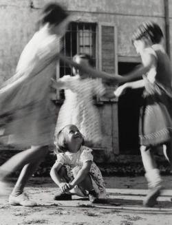 greeneyes55:  Italy 1954 Photo: Vitaliano Bassetti