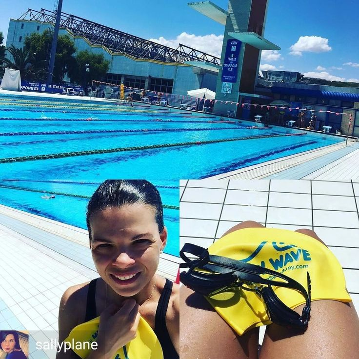 From @sallyplane . . Sessione a Pescara. Piscina olimpionica all'aperto!!!! Tri under construction  #newwaveswimbuoy #swimming