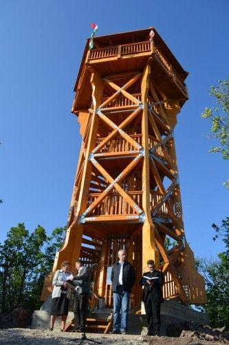 balaton.vehir.hu - Csodálatos balatoni panoráma tárul elénk az új alsóörsi kilátó tornyából - képgalériával