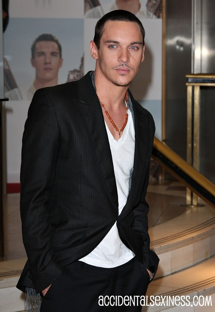 Actor Jonathan Rhys Meyers     ♥