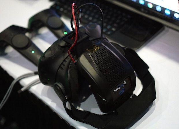 Intel DisplayLink XR, Intel'in HTC Vive için Kablosuz VR Eklentisi.Kablosuz iletişim masaüstü VR için büyük bir nimet olacak. Gidişat Doğru!