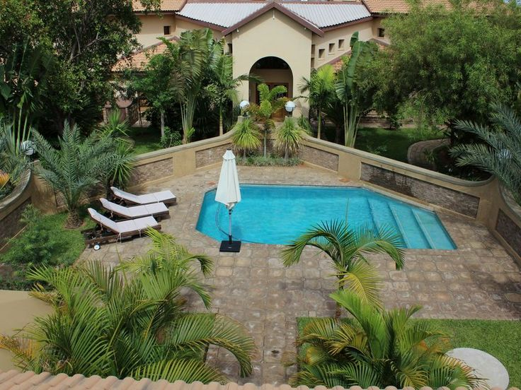 Madidinkwe Gest Villa SWIMMING POOL AND LAPA
