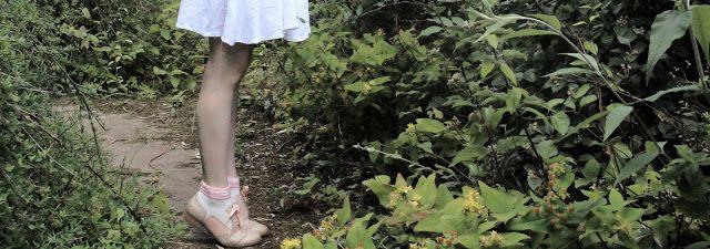 Summer women's brogues styled by Little Miss Fii  Hamble Oak: http://www.clarks.co.uk/c/womens-shoes/brogues