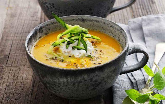 Få varmen: Karrykrydret gulerodssuppe