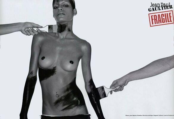 Jean-paul Gaultier - Fragile - Photographe Jean-Baptiste Mondino - Modèle Omahyra