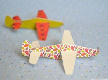 D i y avions en papier avion airplane h licopt re pinterest mobiles et bricolage - Tuto avion en papier ...