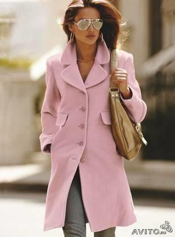В розовом пальто