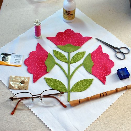 Applique Tutorial: 1.Applique Supplies http://erinrussek.typepad.com/photos/applique_tutorial/index.html