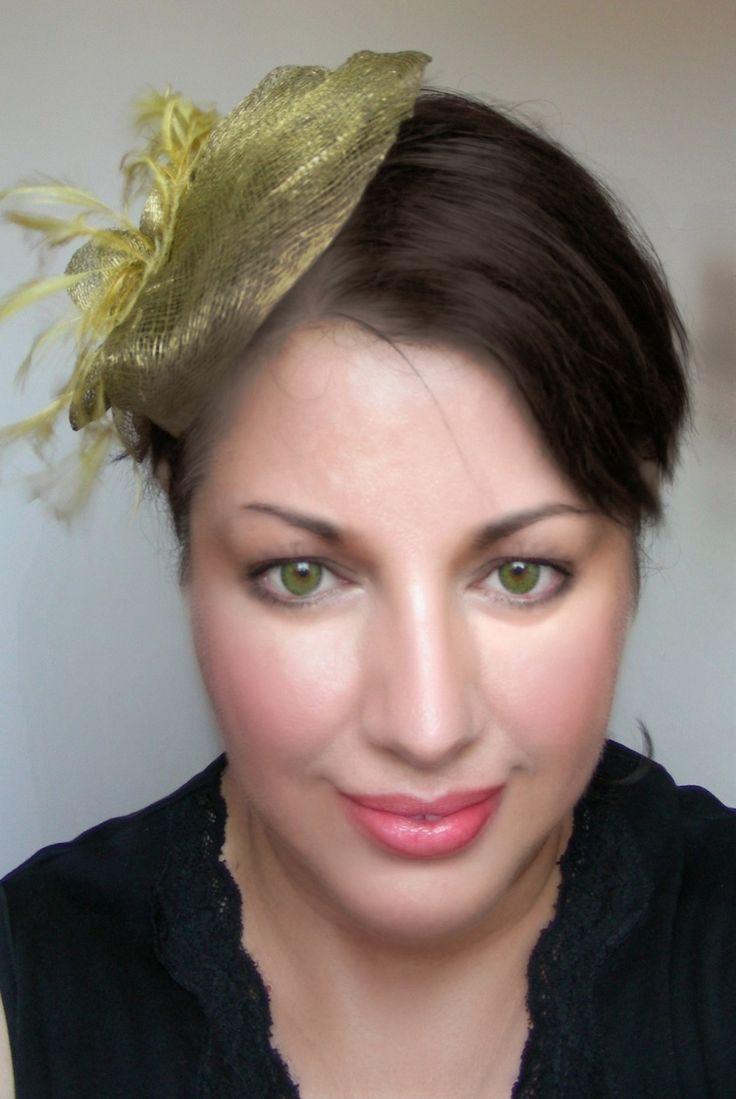 Bibi/Chapeau Vert-Olive, cabochon ancien - Lin, plume - Mariage, cérémonie : Chapeau, bonnet par ladyplazza