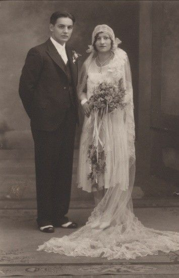 +~+~ Vintage Photograph ~+~+  Beautiful 1930's Bride and Groom.