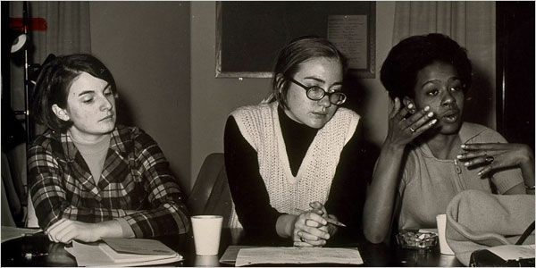 Late 1960s: Hillary with classmates at Wellesley College | 13 Awesome Vintage Photos Of Hillary Clinton