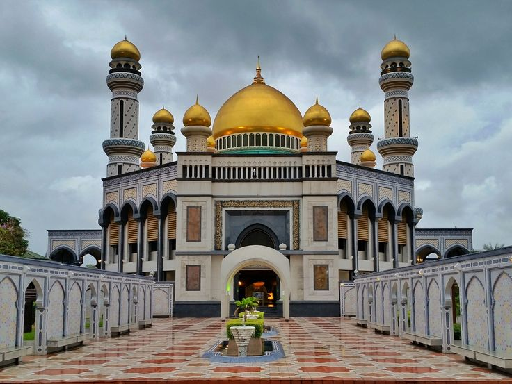 Jame Asri Sultan Hassanal Bolkiah Mosque is one of the top things to do in Bandar Seri Begawan brunei