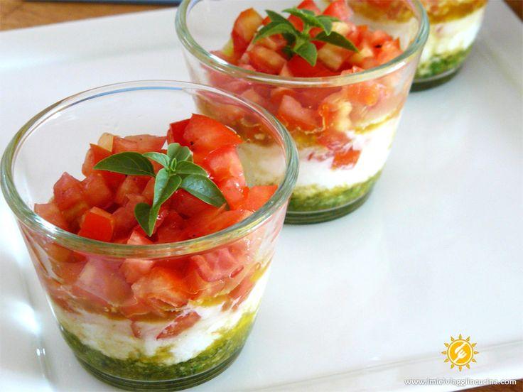 Bicchierini Pomodoro Mozzarella e Basilico
