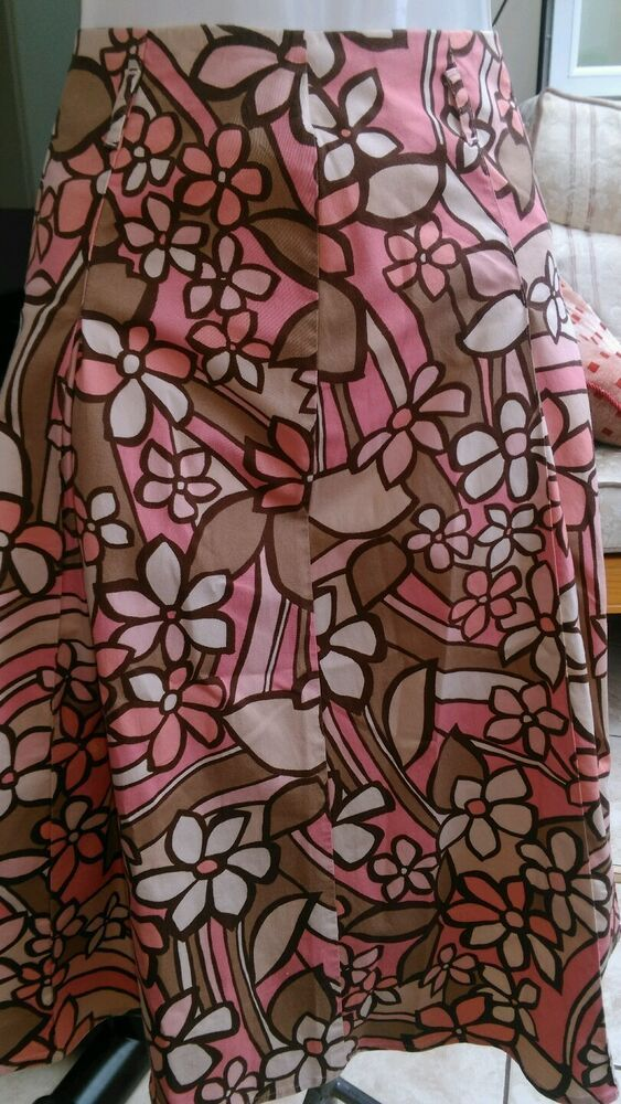 10 Kitchen And Home Decor Items Every 20 Something Needs: Pink With Bold Floral Pattern A-line Skirt Size 10 Approx