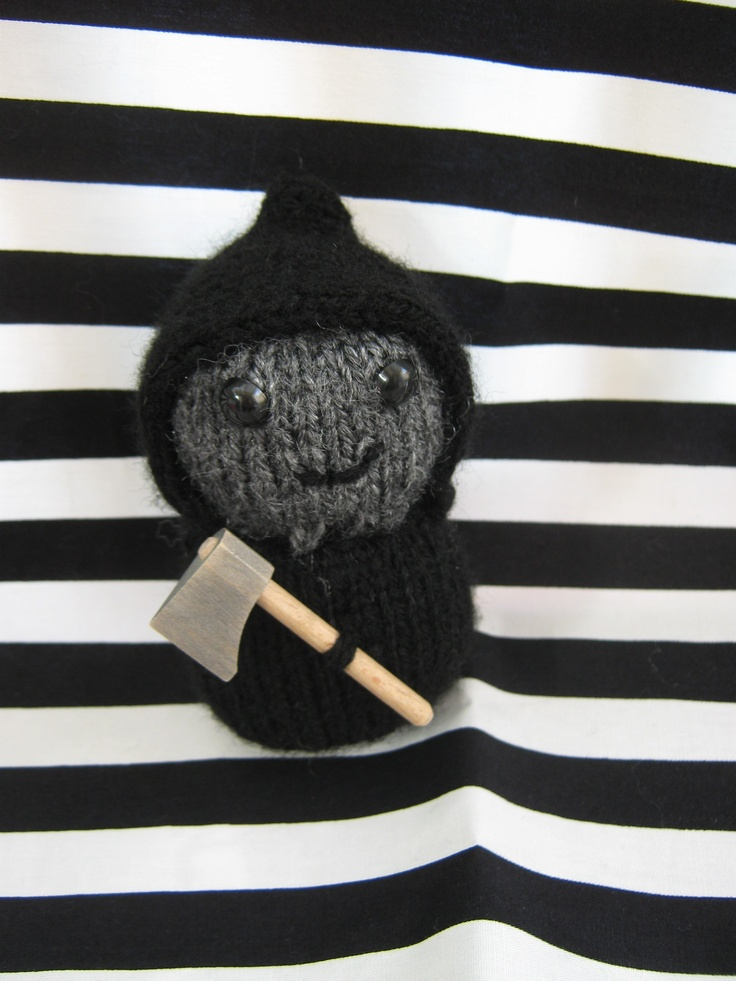 My first attempt at a little knitted grim reaper for Halloween: Knits Grim, Crafts Items, Hands Crafts, Grim Reaper