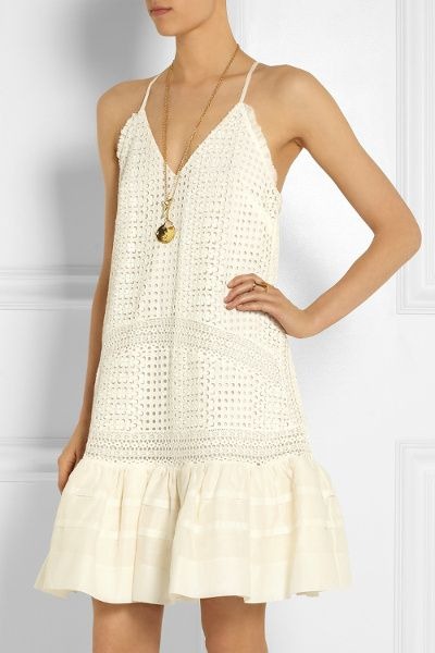 Wanted : une petite robe taille basse en broderie anglaise écrue (J.Crew - 515 euros)