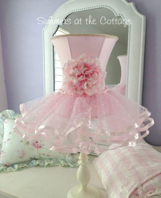DARLING SHABBY PINK ROSES FLOWER CHIC RUFFLES SHADE WHITE LAMP