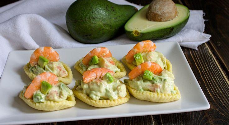 Barchette alla mousse di gamberetti e avocado ricetta