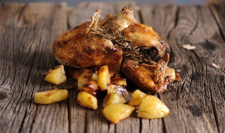 Κοτόπουλο γεμιστό με τυρί και μυρωδικά