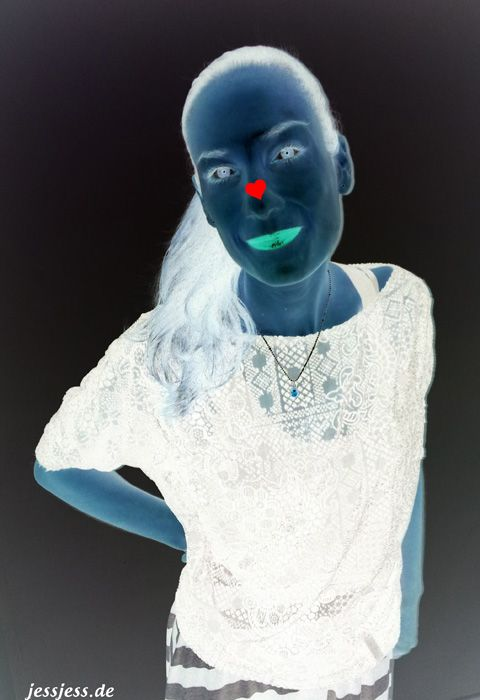 Stare at the red heart for 30 seconds, then look away at a blank surface (wall or ceiling) and blink really, really fast.