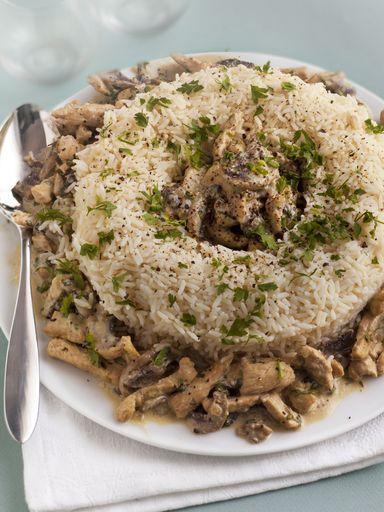 poivre, échalote, oeuf, crême fraîche, huile, riz long, champignon, estragon, beurre, escalope de dinde, persil, sel, vin blanc