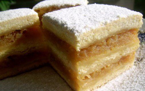Prăjitura de mere