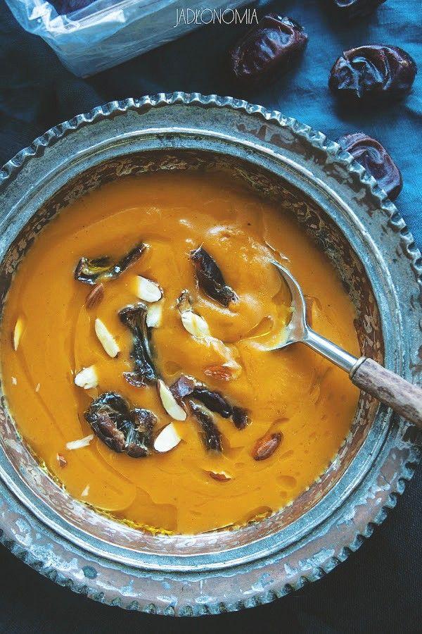 Marokański krem dyniowy z daktylami » Jadłonomia · wegańskie przepisy nie tylko dla wegan