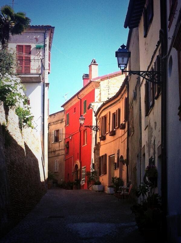 #twiart grottammare alta Sbagliando Strada su http://www.ariles.it #viaggi #Italia #borghi #turismo