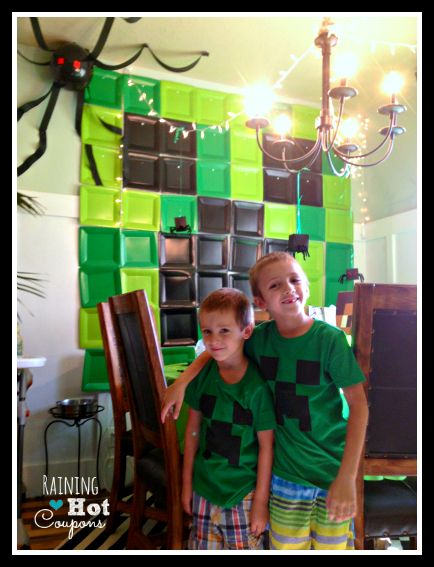 Minecraft Party Ideas - love the use of the square plates.  And with Halloween being so close, the spiders should be easy to find!