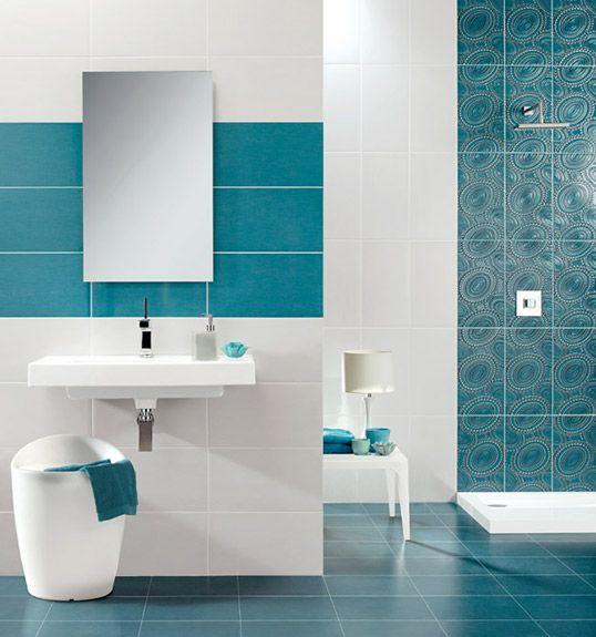 Сине-зеленая плитка для ванной комнаты