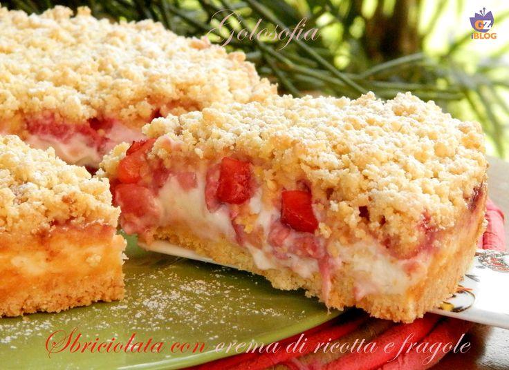 Sbriciolata+con+crema+di+ricotta+e+fragole,+ricetta+golosissima