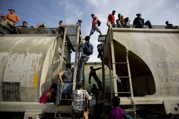 More Than 2,000 Central Americans Applied For Refugee Status To Come To The U.S.
