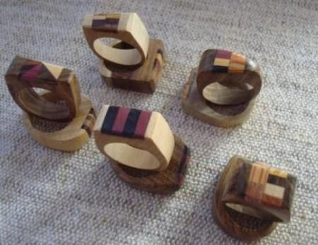 anillo de madera con marqueteria