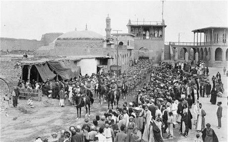 British troops enter Baghdad in 1917